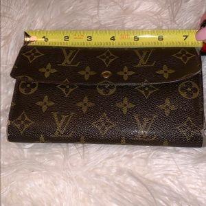 """Authentic Louis Vuitton wallet size 7"""" x 4"""""""